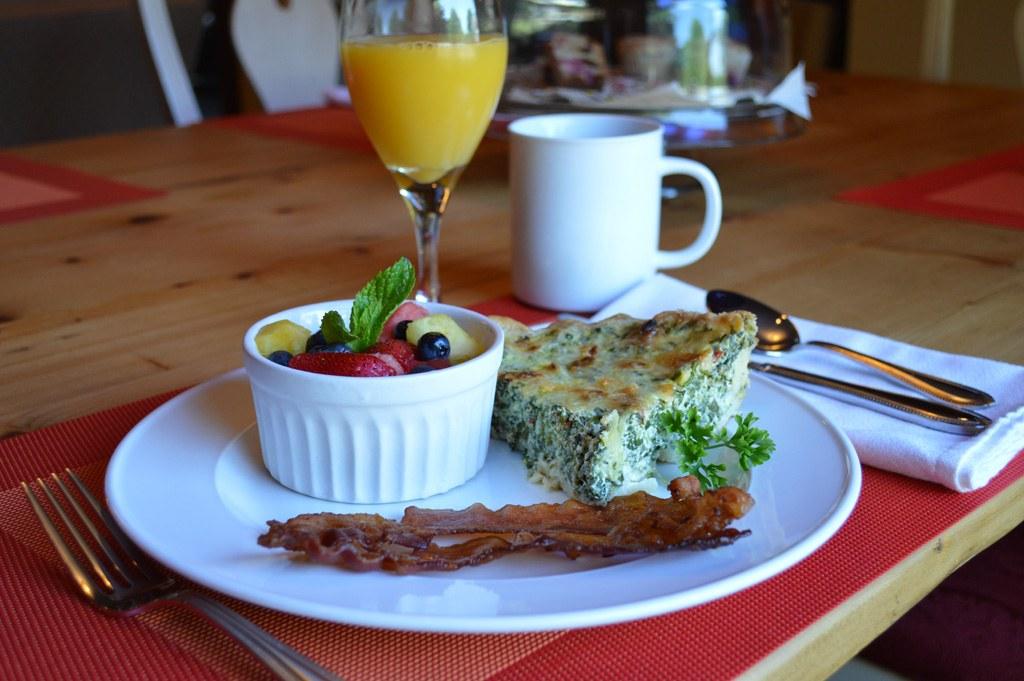 Twin Oaks Inn Breakfast