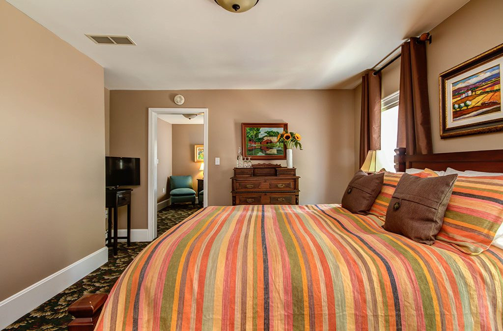 Twin Oaks Inn - Greenbrier Room