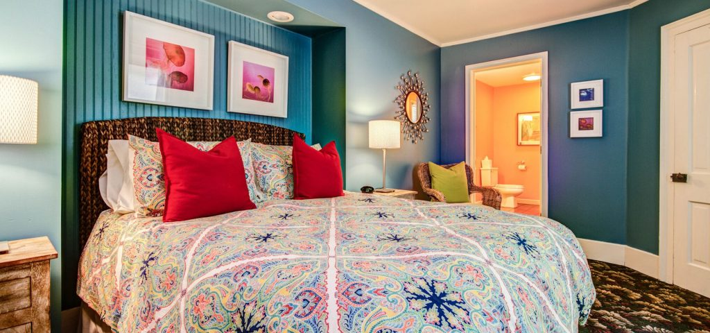 Twin Oaks Inn - Chicks Beach Room